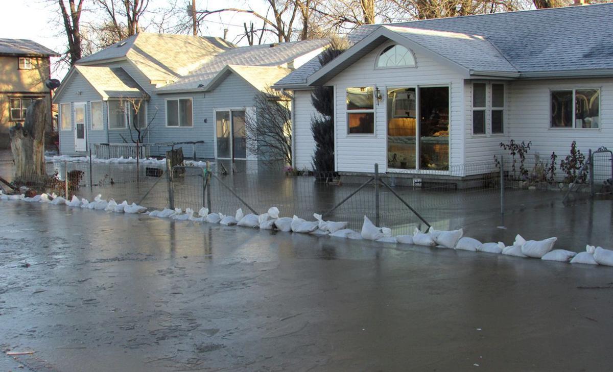 021217-elk-humboldt-flood-ice-06.JPG