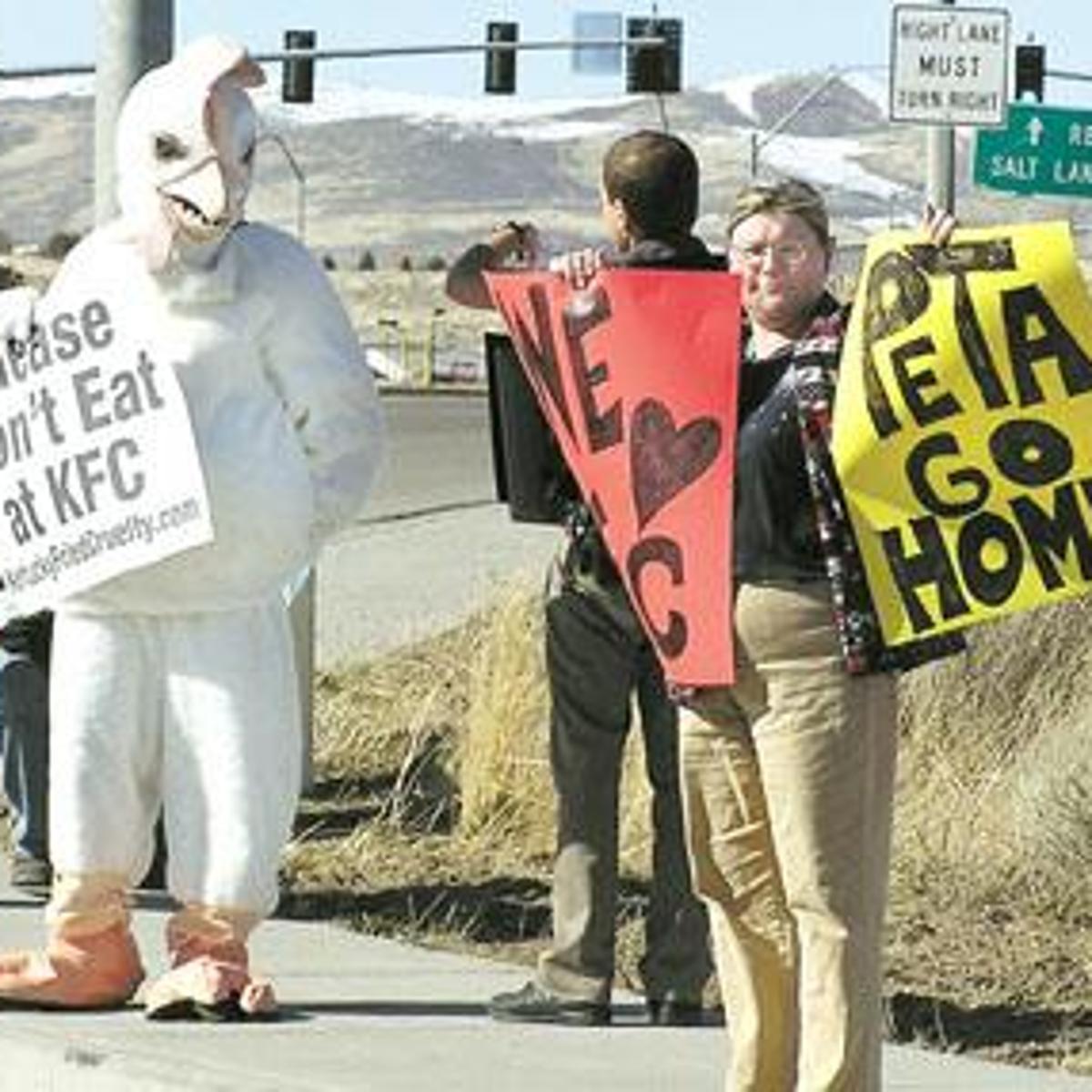 PETA vs  KFC: Finger-lickin' chicken lovers counter protest