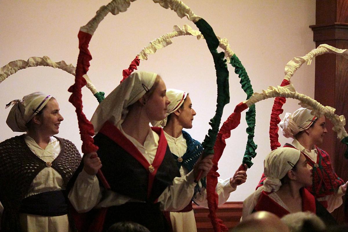 Elko Arinak Dancers