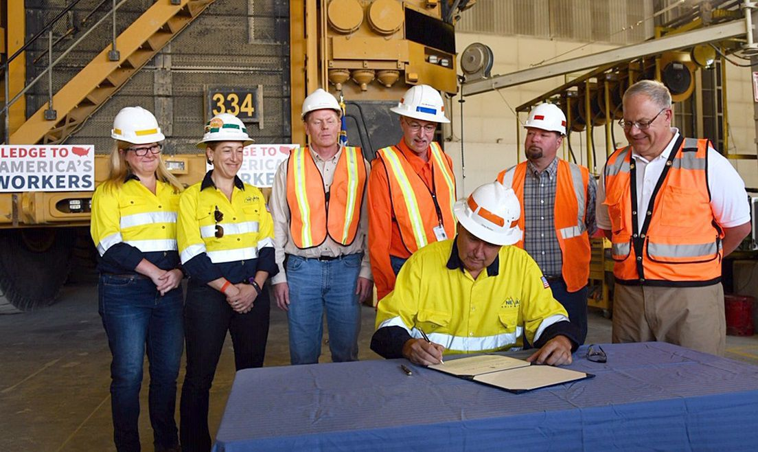 Interior Secretary visits Cortez Mine - pledge signing
