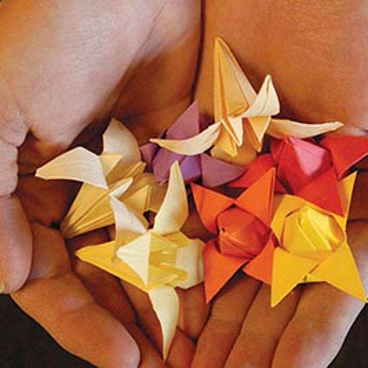 Japanese Art of Paper Folding: Origami - HALAL-GUIDE | 1200x1200