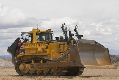 Komatsu America Corp Introduced A Mining Cl D375 8 Dozer That Has More Reverse Horse