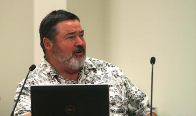 Jeff Zander at school board meeting August 9