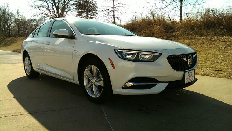 2018 White Buick Regal Sportback