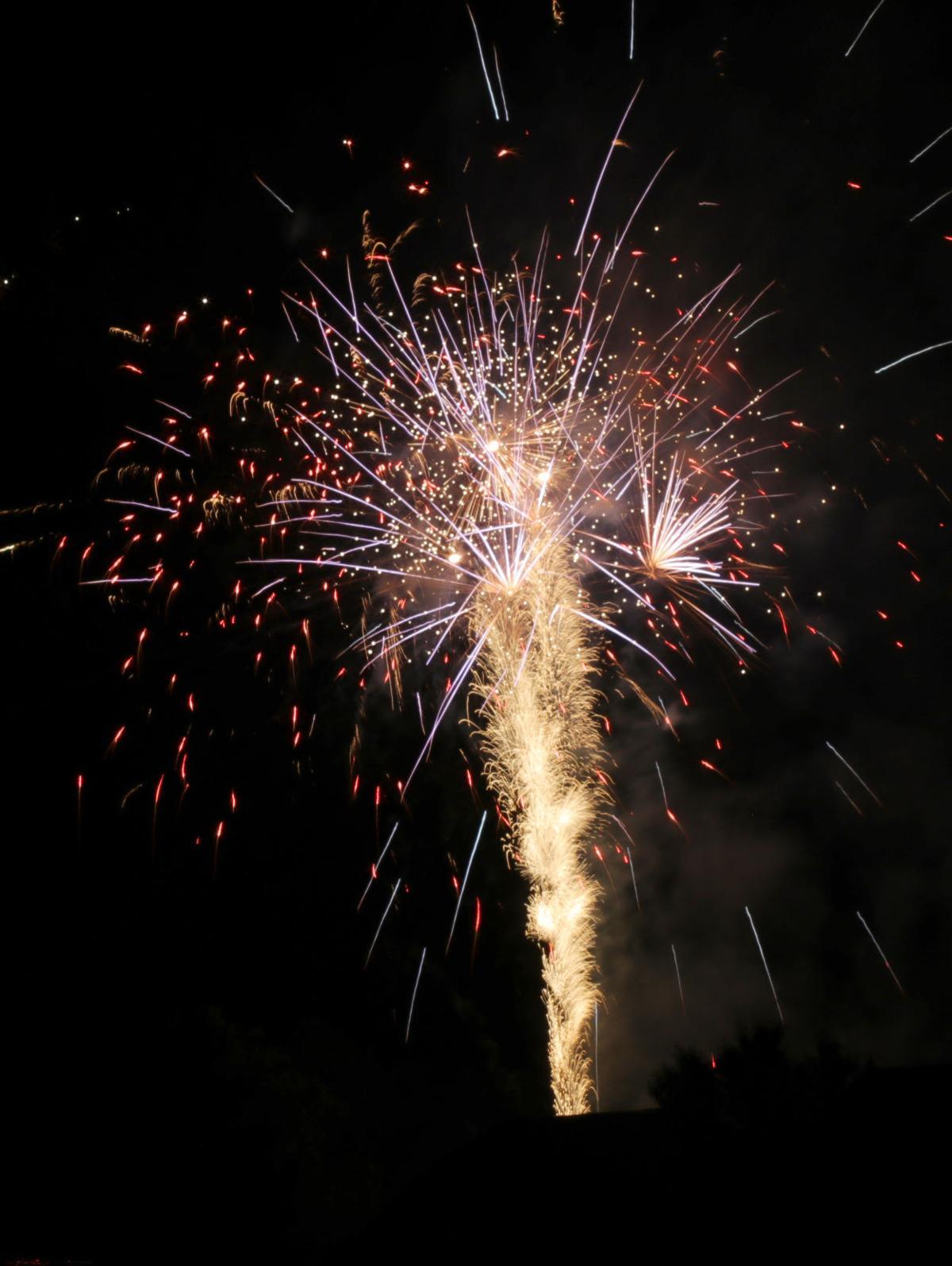 Meadowlake farm fireworks 2018065.JPG