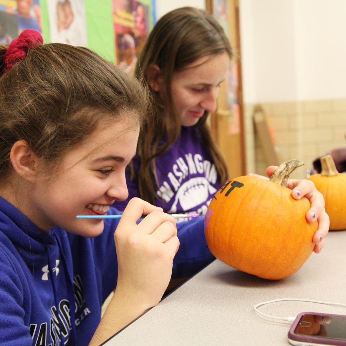 WHS Junior Optimist Club Paints Pumpkins 2017