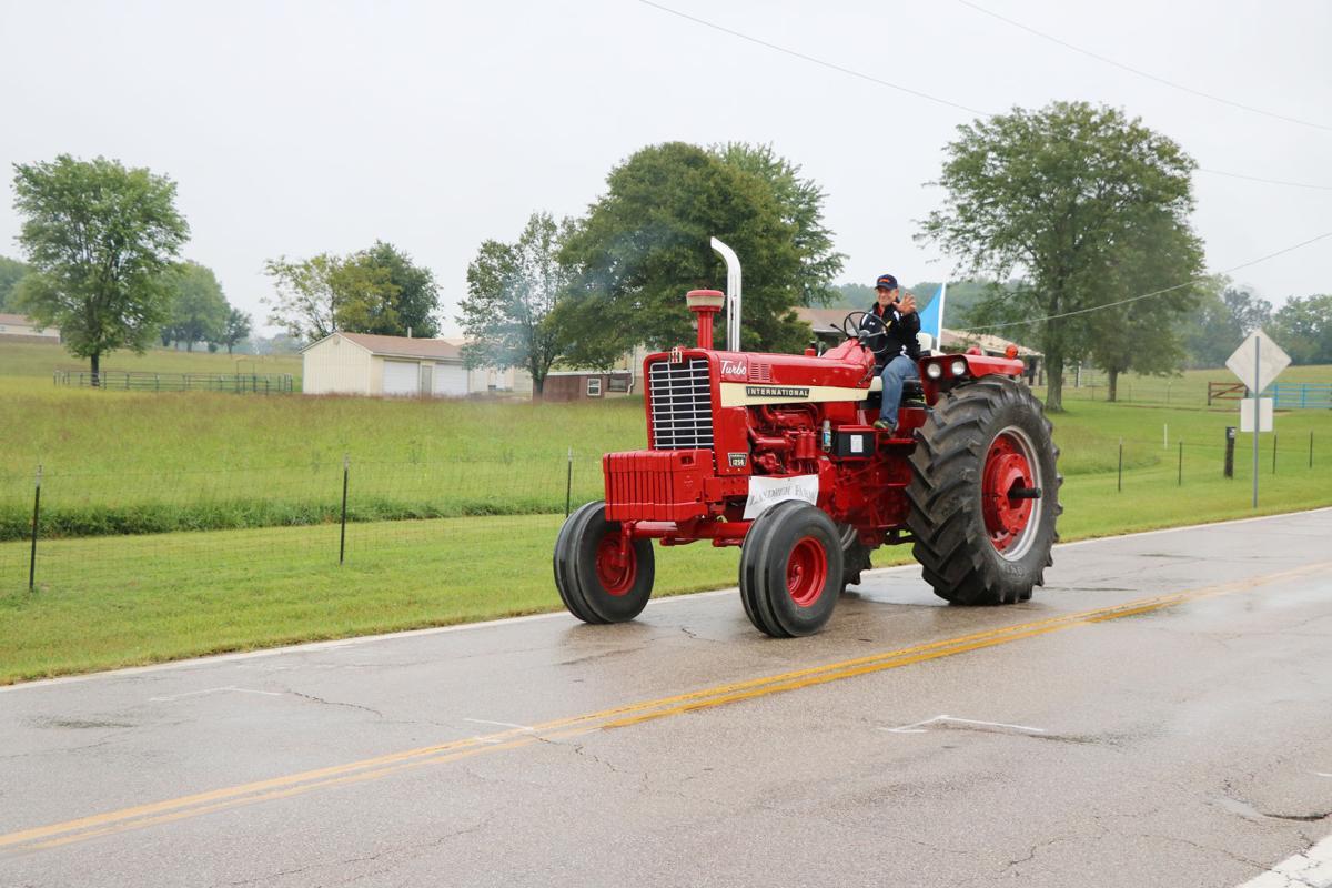 SCN tractors 2019031.JPG