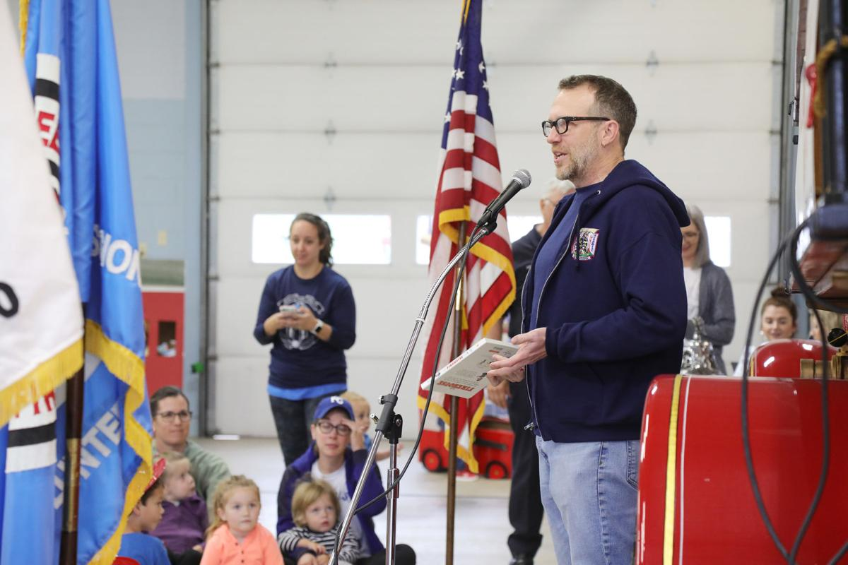story time at fire house035.JPG