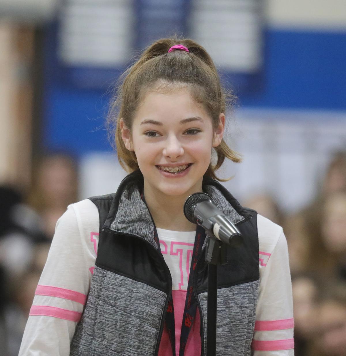 Middle School Spelling Bee 2018021.JPG