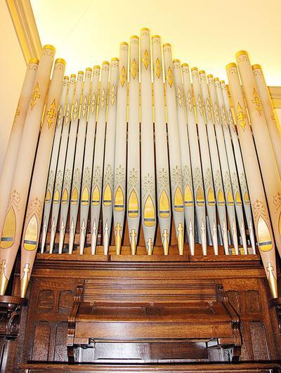 Members of Leslie United Methodist Church Cherish 110-Year-Old Organ