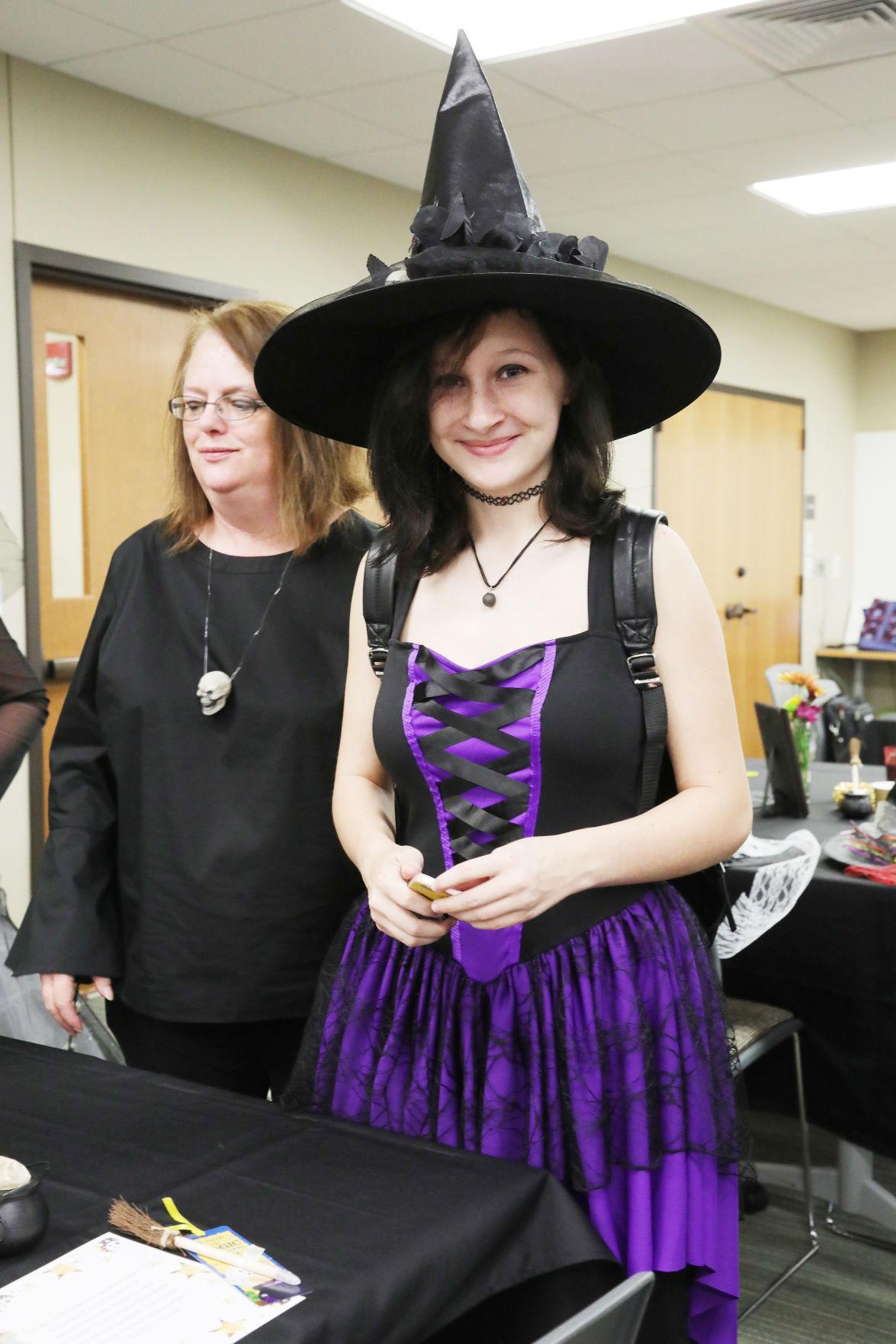 Witches Tea005.JPG
