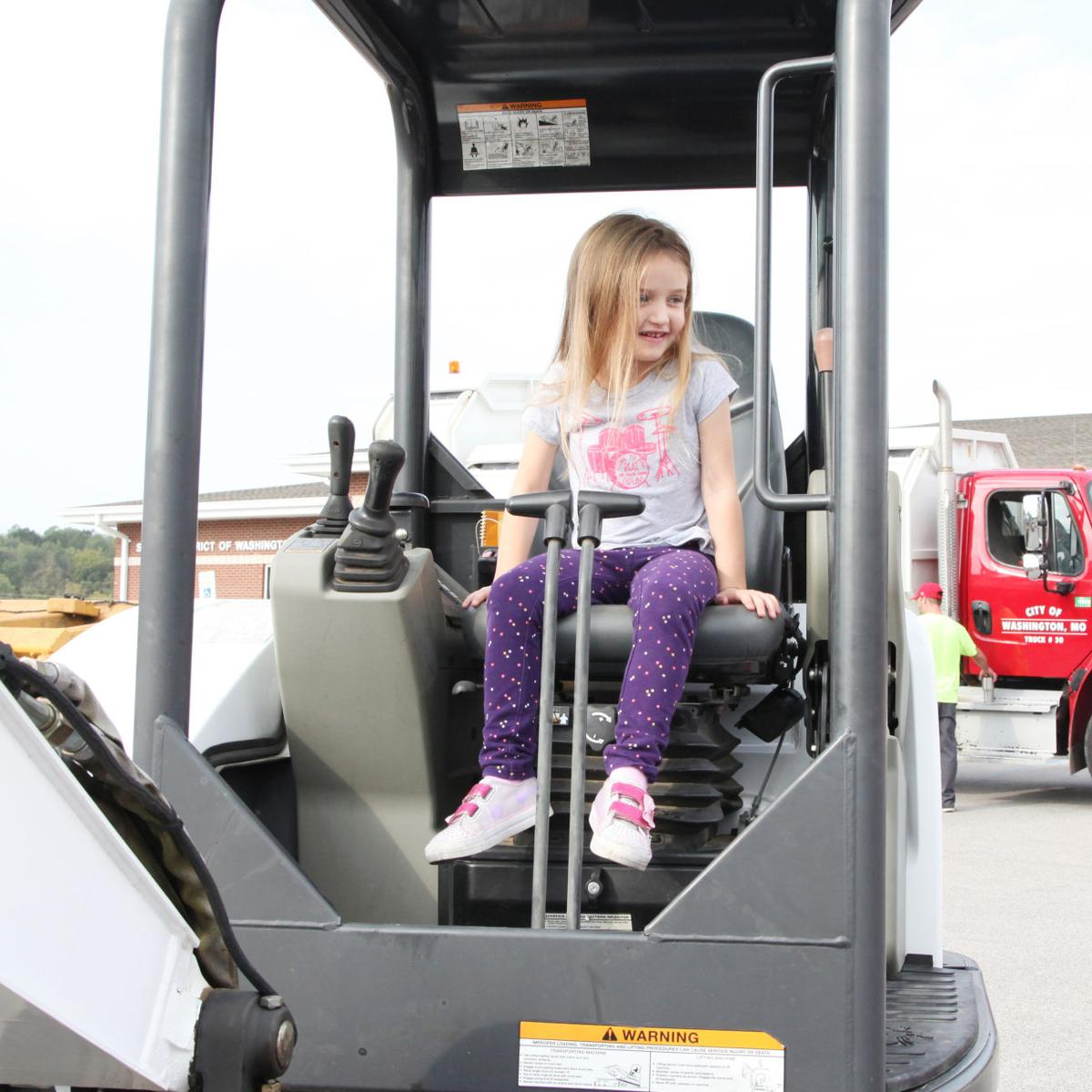 Early Learning Center Big Truck Day 2017