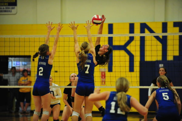 Lady Knights Defeat Hermann