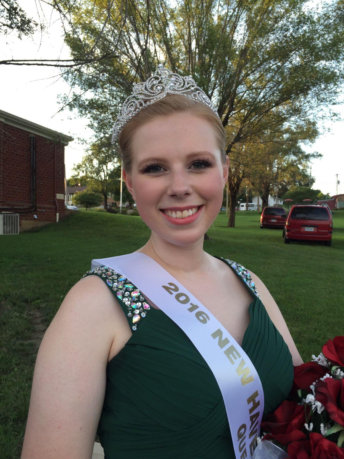 Anna Miller Crowned New Haven Fair Queen