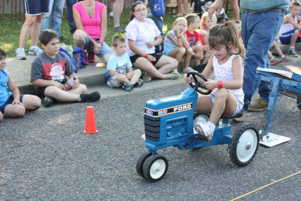 005 Franklin County Fair Pedal Tractor Pull.jpg