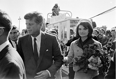 KENNEDYS ARRIVE IN DALLAS