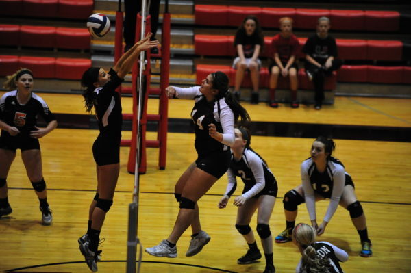 District Volleyball Semifinals