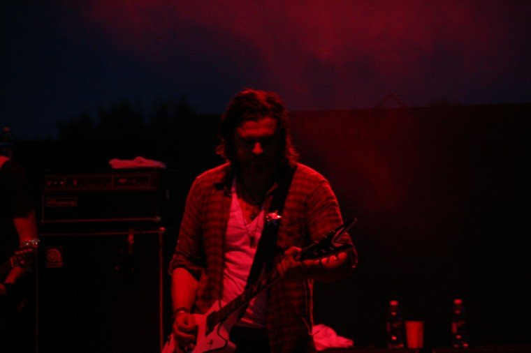 001Collective Soul Play TnC Fair 2011.jpg
