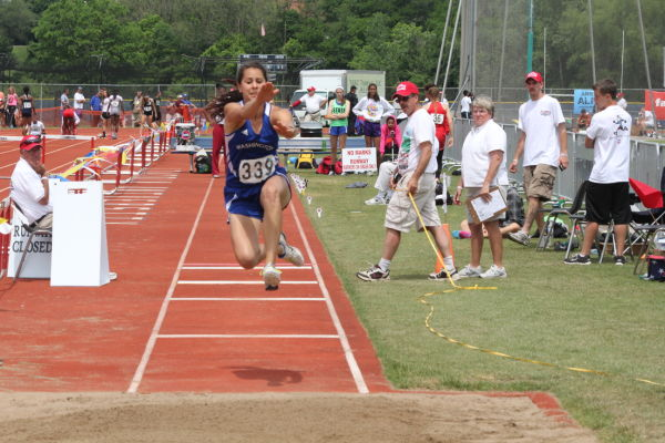 Leslie Wins Three State Medals