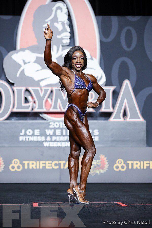 Nadia Wyatt Competes