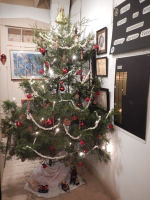 A Traditional German Christmas In Augusta Taste Of Travel  - Christmas Tree Augusta Maine