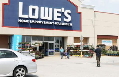 Lowe's Customers at Washington