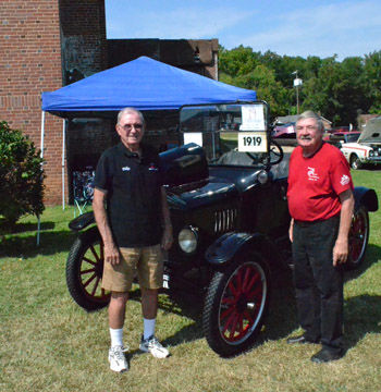 Soles Family Showcase Century Old Model T Car News Emporiaindependentmessenger Com