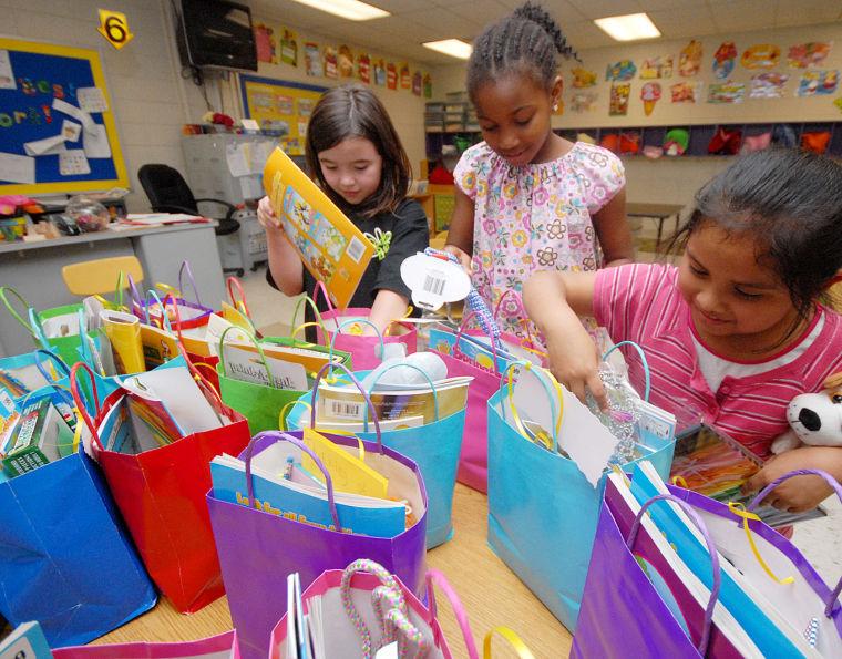 Brookhill bunnies fill easter gift bags for homeless children easter baskets for homeless kids 1g negle Images