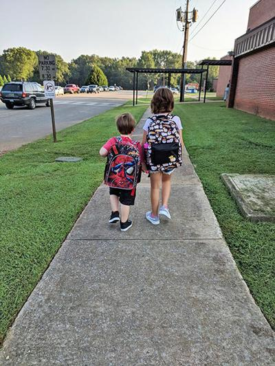 Back to school, hand in hand