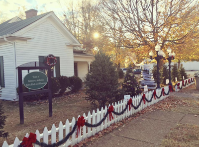 Ardmore's Tinsel Trail helps unite town