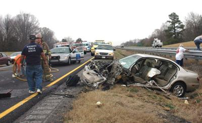 Driver headed the wrong way on I-65 causes 3-vehicle wreck