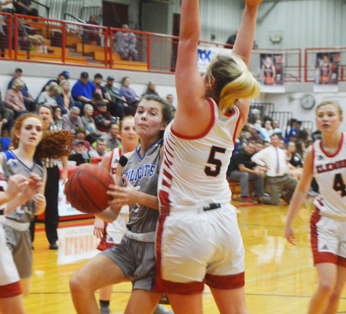 Defense, toughness lead Wildcats to win