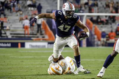 No. 23 Auburn overcomes slow start to beat Tennessee 30-17