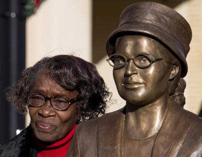 Alabama unveils statue of civil rights icon Rosa Parks