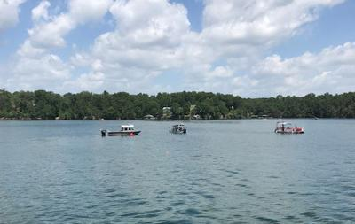 Authorities: Teen killed in tubing accident on Smith Lake