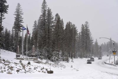 Heavy snow causes travel mayhem in Colorado, Wyoming