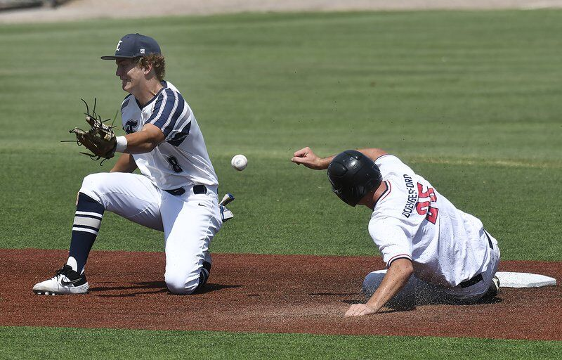 Majors fall to Bartlesville, will play for third; Plainsmen lose, will play for fifth