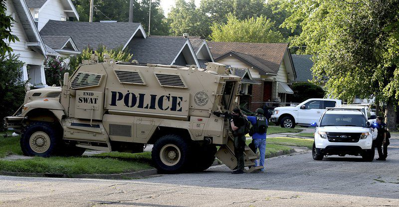 EPD has brief standoff with man Friday on South Lincoln