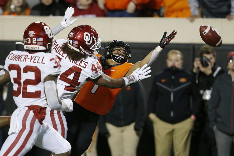 Brooks leads No. 7 Oklahoma past No. 21 Oklahoma State