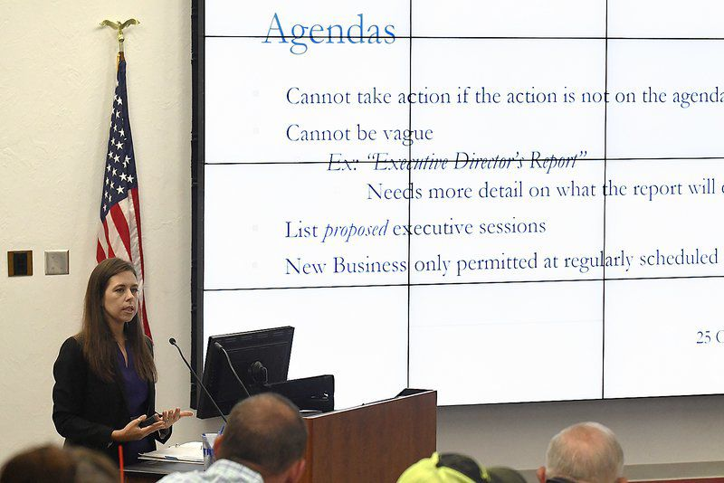 Seminar outlines open record, meeting laws