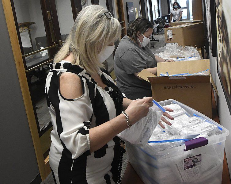 United Way, CDSA parcel out shipment of 22,500 masks for nonprofits