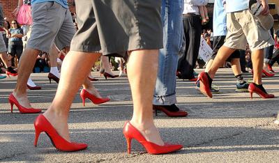 210422-news-heels.jpg