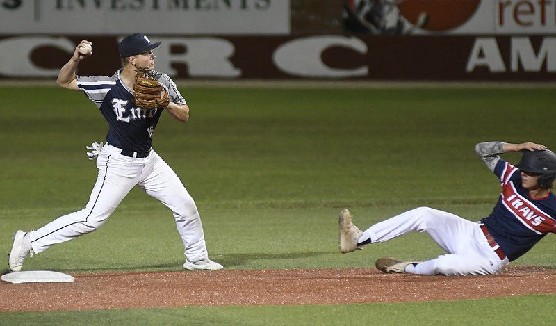 Travelers eliminate Majors; Plainsmen win