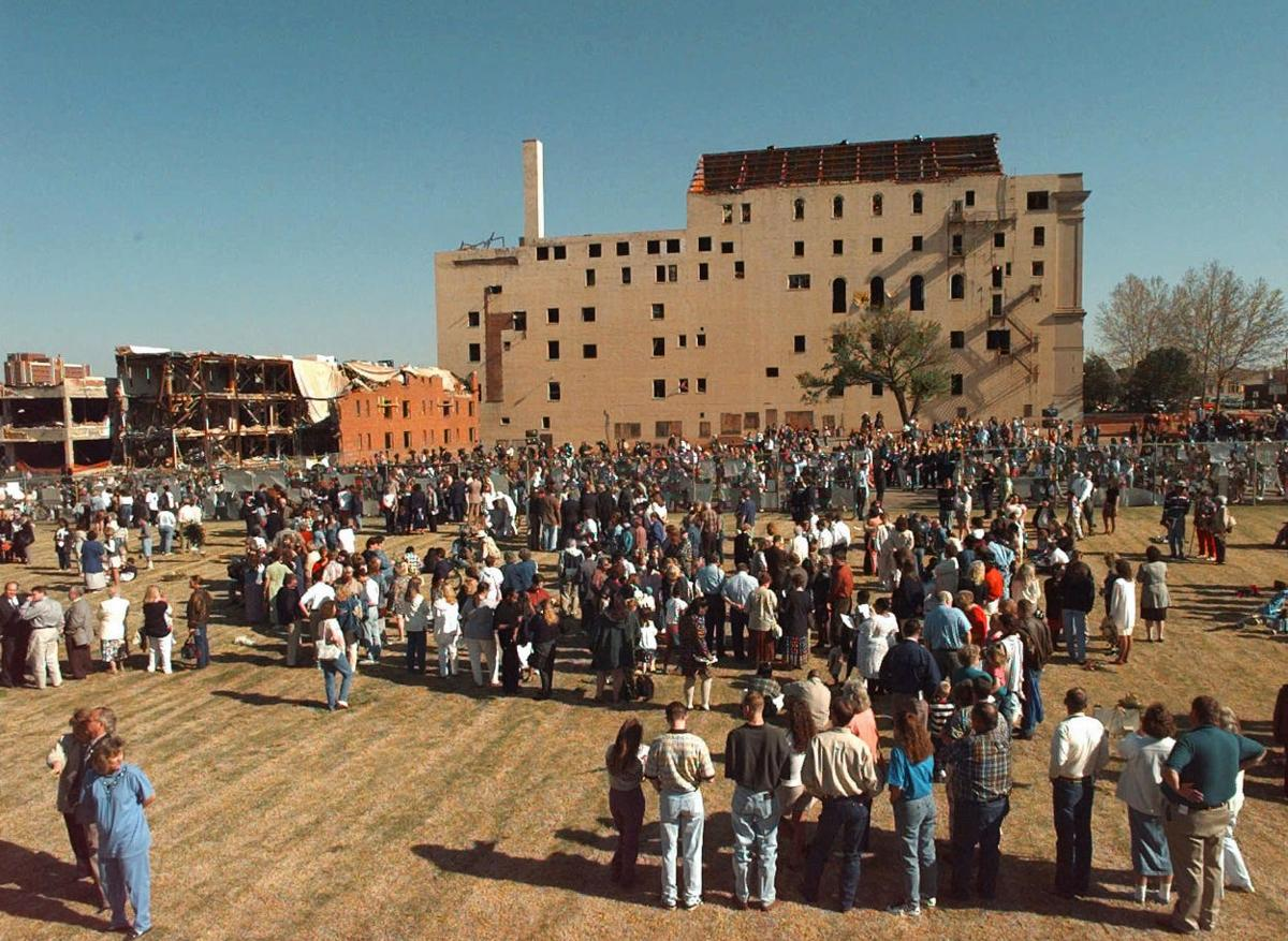 Photo Slideshow: Images from the Oklahoma City bombing