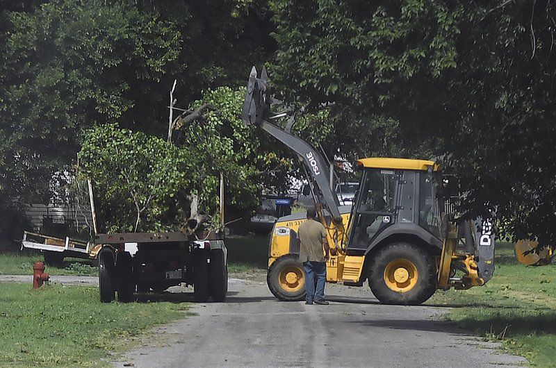 Storm cleanup continues in Ames, Kremlin