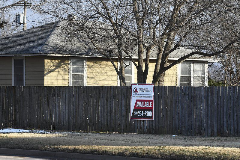 City considers buying 25 Lahoma Courts properties at $2 1