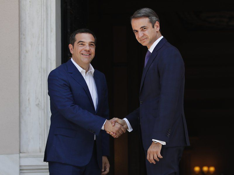 New Greek government faces swift test from creditors