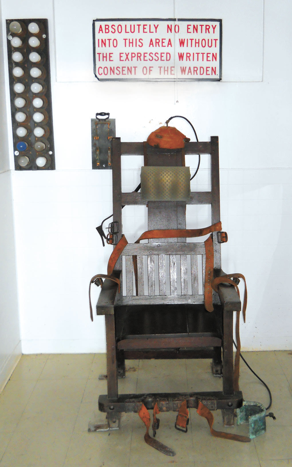 Electric chair chamber - Electric Chair