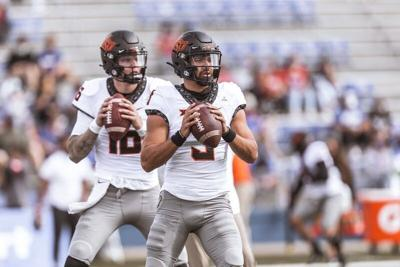 Gundy suggests potential of 2 QB system with Sanders' return