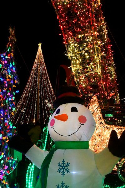 Lights Up the Plains to kick off holiday season